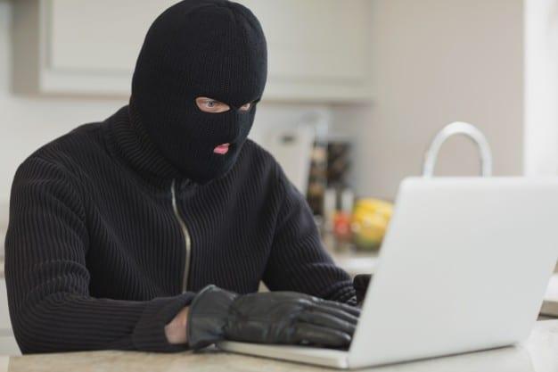 robar dominio web